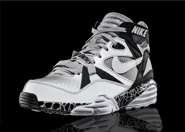 quality design 9fcdd 518ac ... Foot Locker Blog air yeezy all black Nike Sportswear will release the Nike  Air Trainer Max 91 ...