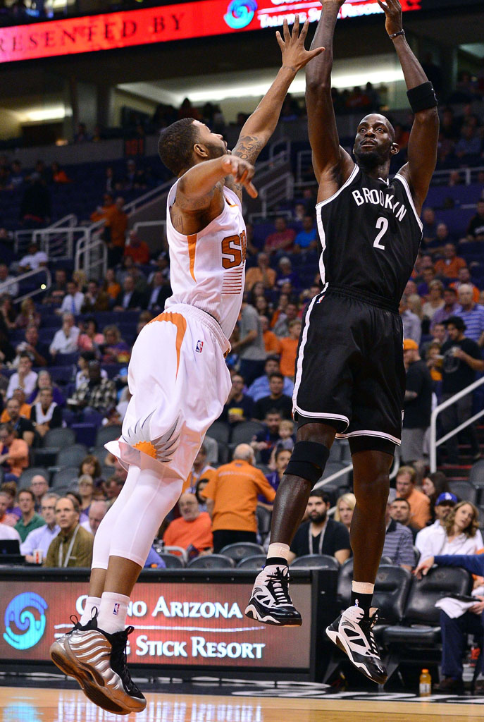 Markieff Morris wearing 'Metallic Pewter' Nike Air Foamposite One (3)