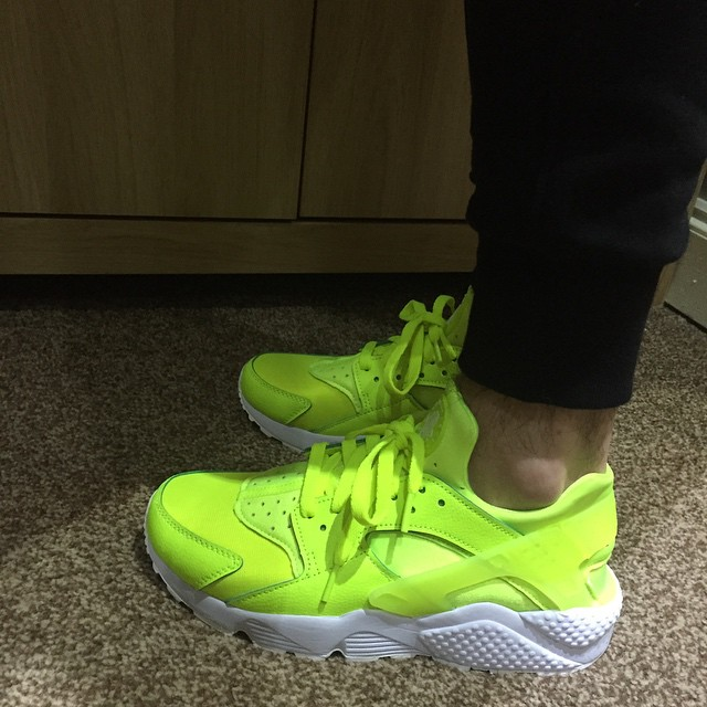 lowest price 4a01e b30ab Best NIKEiD Air Huarache Run Designs on Instagram (2)