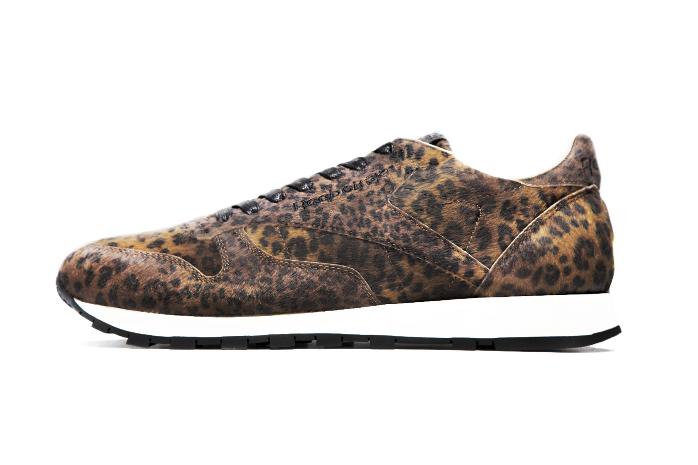 Head Porter Plus x Reebok Classic Leather leopard profile