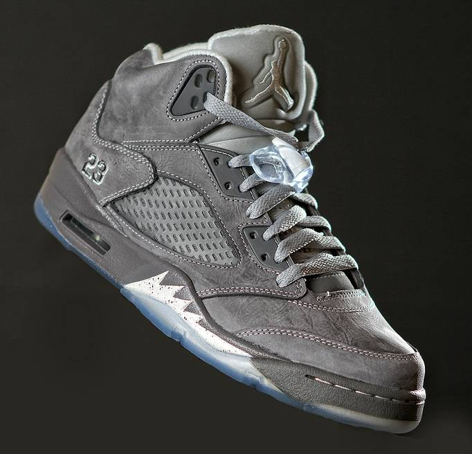 Wolf Grey' Air Jordan Retro 5