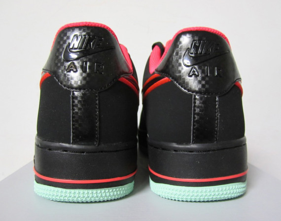 size 40 31711 591d0 The Black Laser Crimson-Arctic Green Nike Air Force 1 Low is expected to  release later this month.