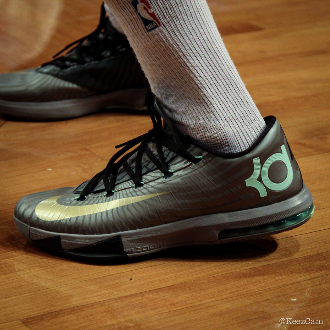 SoleWatch // Up Close At Barclays for Nets vs Clippers - Shaun Livingston wearing Nike KD 6 Precision Timing
