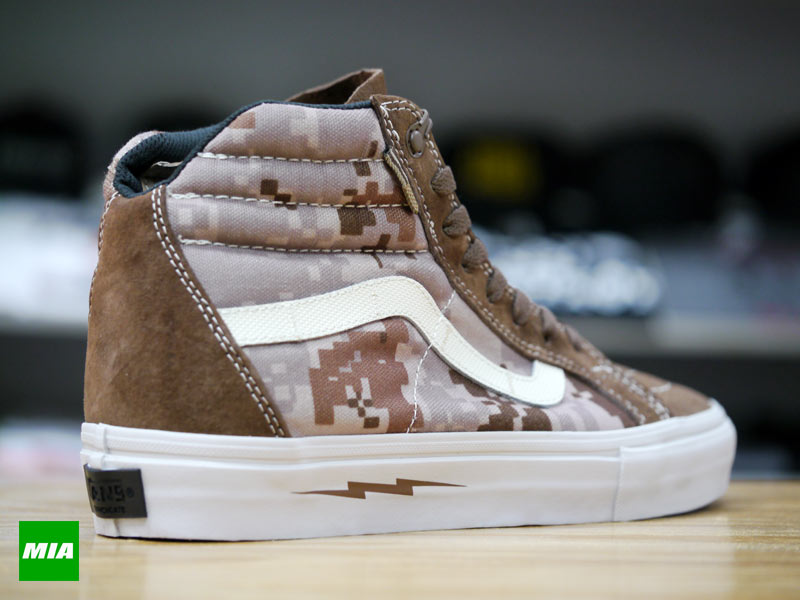 DEFCON x Vans Syndicate Sk8-Hi Notchback Warrior Suede heel