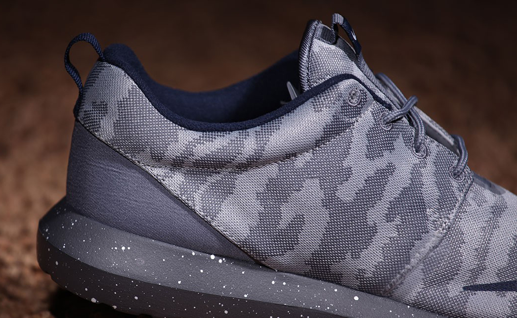fce9738ee0e ... nm fb flat silver grey camo roshrun mens running shoes 685196 004 cheap  d0c4c 32252  cheap these nike roshes are inspired by soccer shoes 1684a  bdd96