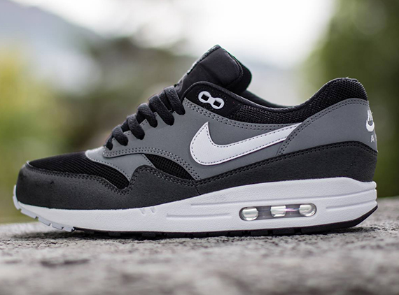 nike air max 1 grey and black