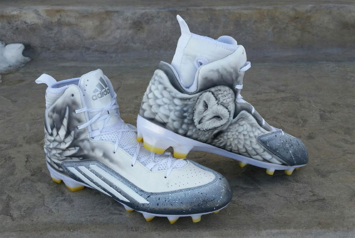 340cb2e4c825e Von Miller Has Custom Owl Cleats for the AFC Championship Game ...