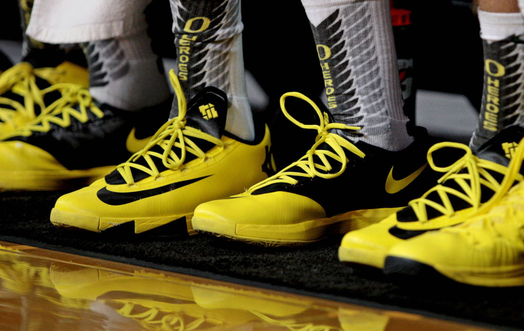 Team Sneakers in College Basketball