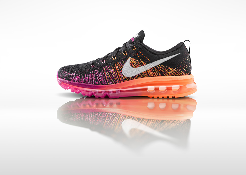 Nike Womens Flyknit Air Max profile