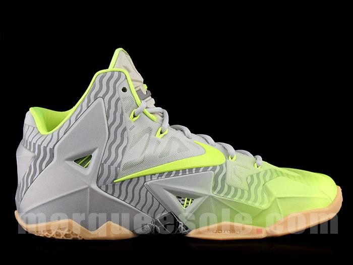 wholesale dealer b5a8d 44c22 ... Nike LeBron XI 11 Volt 3M (1) ...