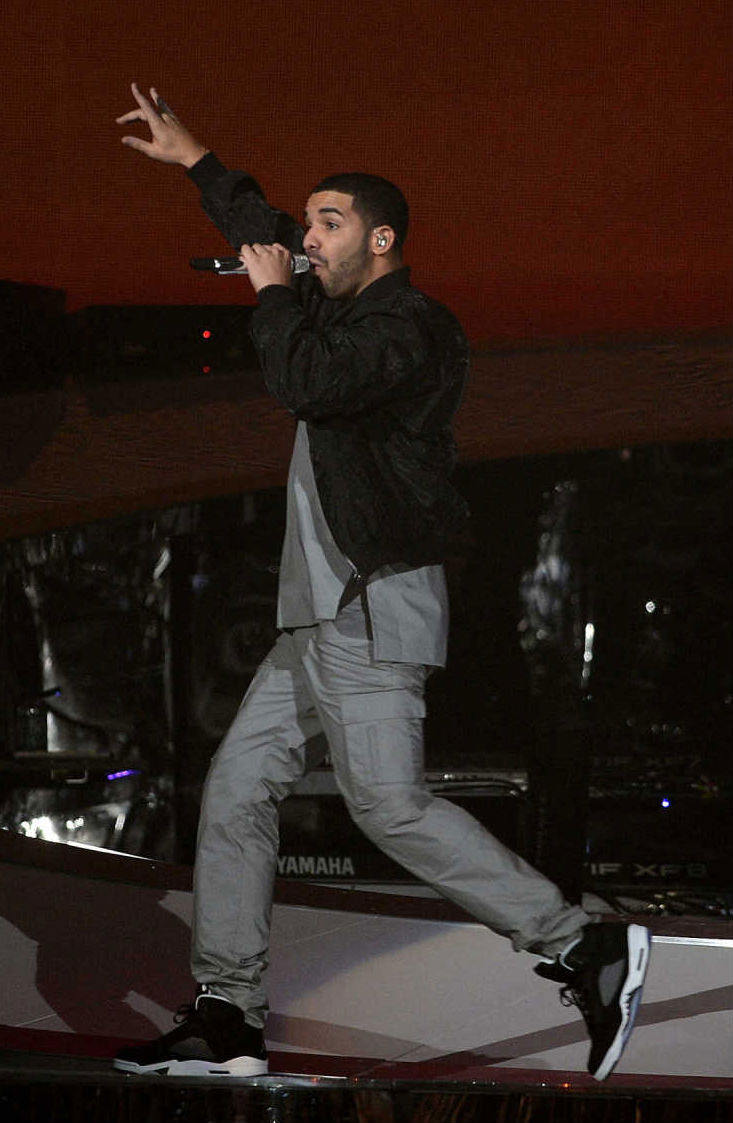 Drake wearing Air Jordan 5 V Retro Oreo