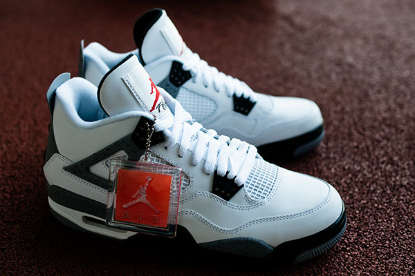 new style 4f1fb 667ea Air Jordan 4 IV Cement 308497-103 Family (2)