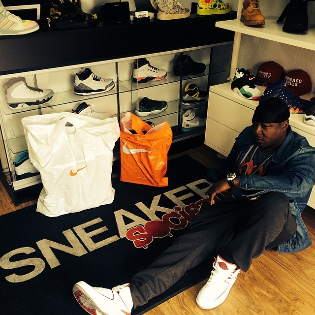 Jadakiss wearing Air Jordan II 2 White/Red