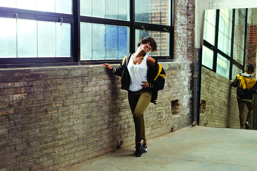 Reebok Classics & Alicia Keys - Girl On Fire (1)