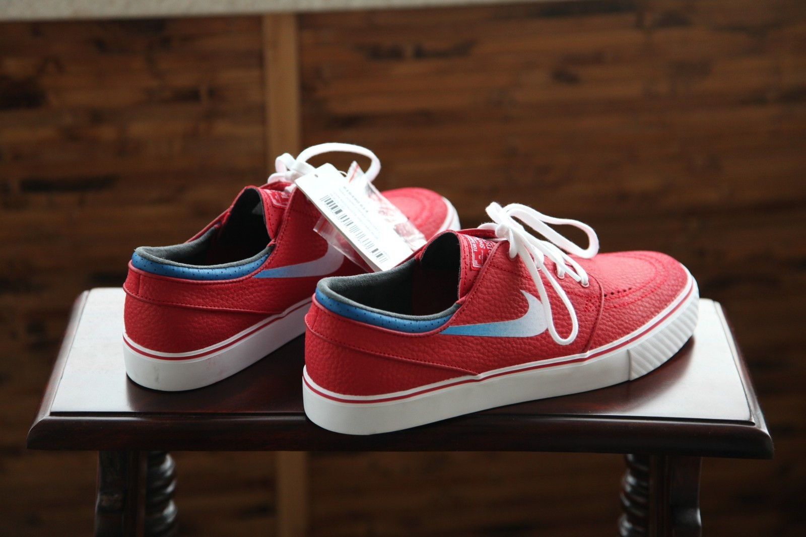 797d154ab4 Nike Sb White And Gym Red