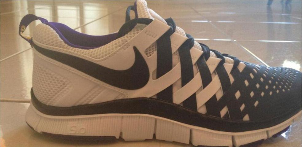 deda09065c621 Nike Free Trainer 5.0 Cris Carter PE (1)