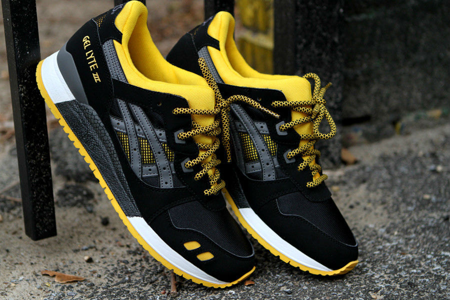 2e7d7498a8b6 ASICS GEL-Lyte III Black Yellow KithStrike (1)