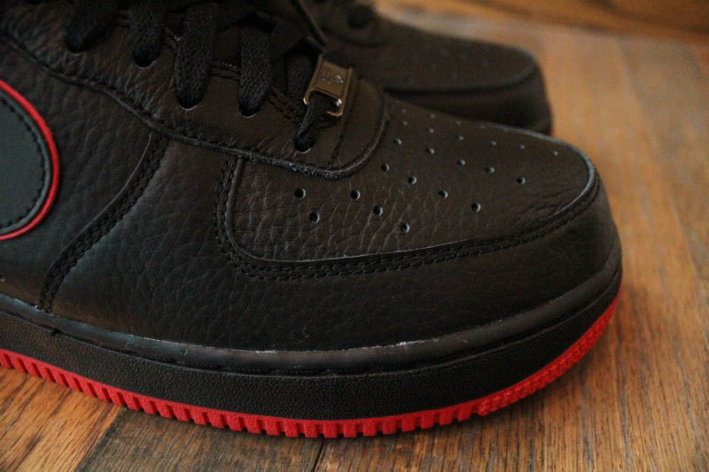 nike air force one black and red