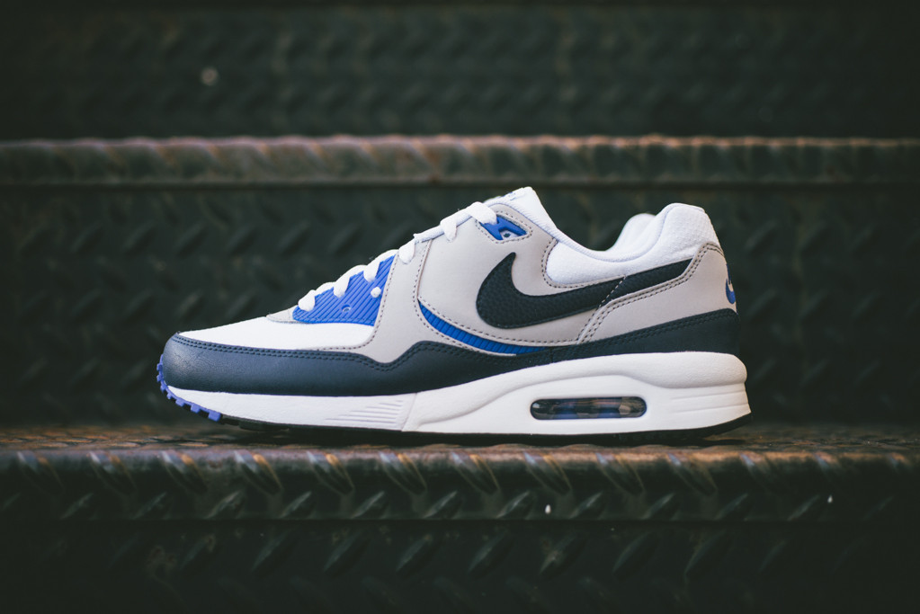 best service 75d49 f24fb Nike Air Max Light Essential - Two OG Looks Are Back