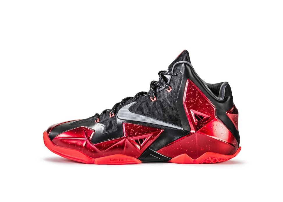 Nike LeBron 11 XI in black university red profile