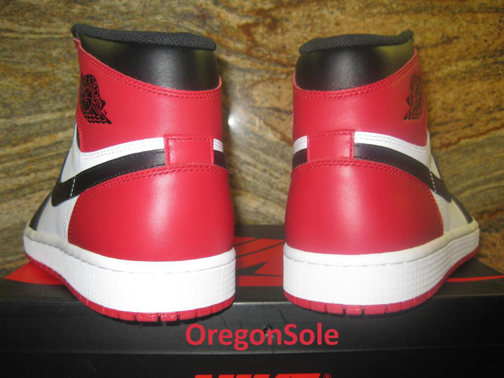 Air Jordan Retro I 1 High OG Black Toe 555088-184 (3)