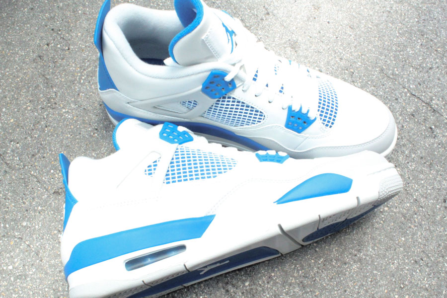 lowest price 06cd5 aa8cd Air Jordan Retro 4 - Military Blue | Sole Collector