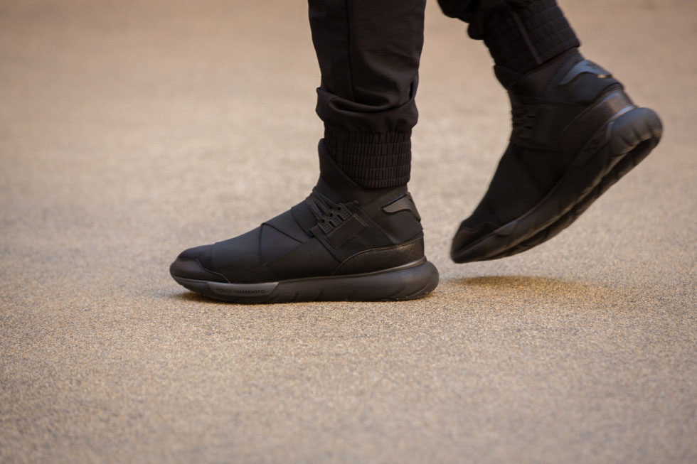 Año unos pocos frijoles  adidas Y-3 Qasa High in All Black | Sole Collector