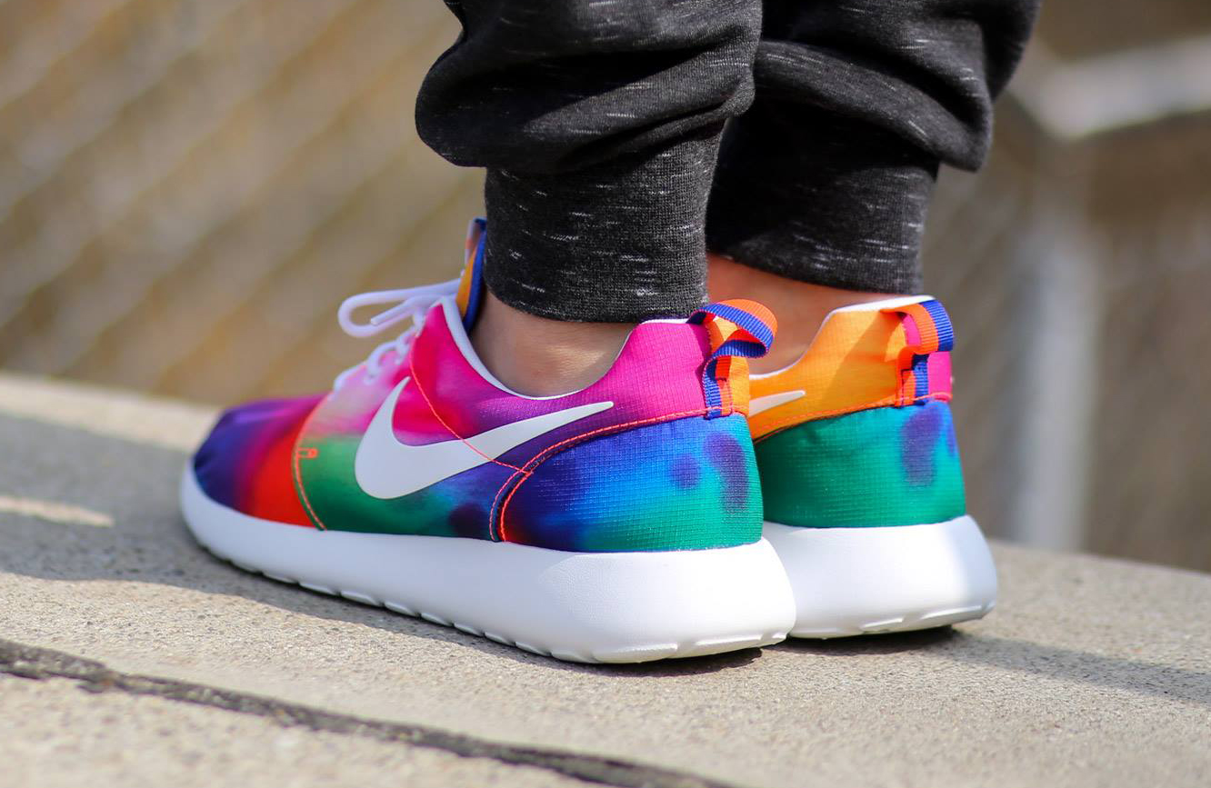 529fab2d7582 Nike Roshe Run Tie Dye Color  Court Purple White-Total Crimson Style     655206-518