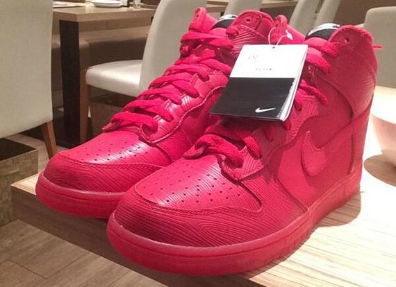 d60a52aa6321 Nike Dunk High - Red Woodgrain