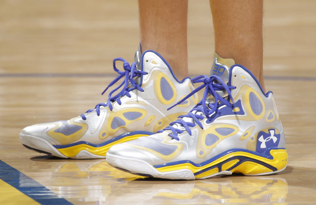 Stephen Curry Under Armour Anatomix Spawn PE // Close-Up (2)