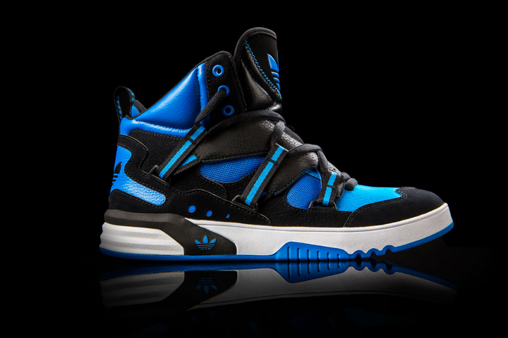 adidas Originals Roundhouse Instinct Black Blue Q32910 (1)