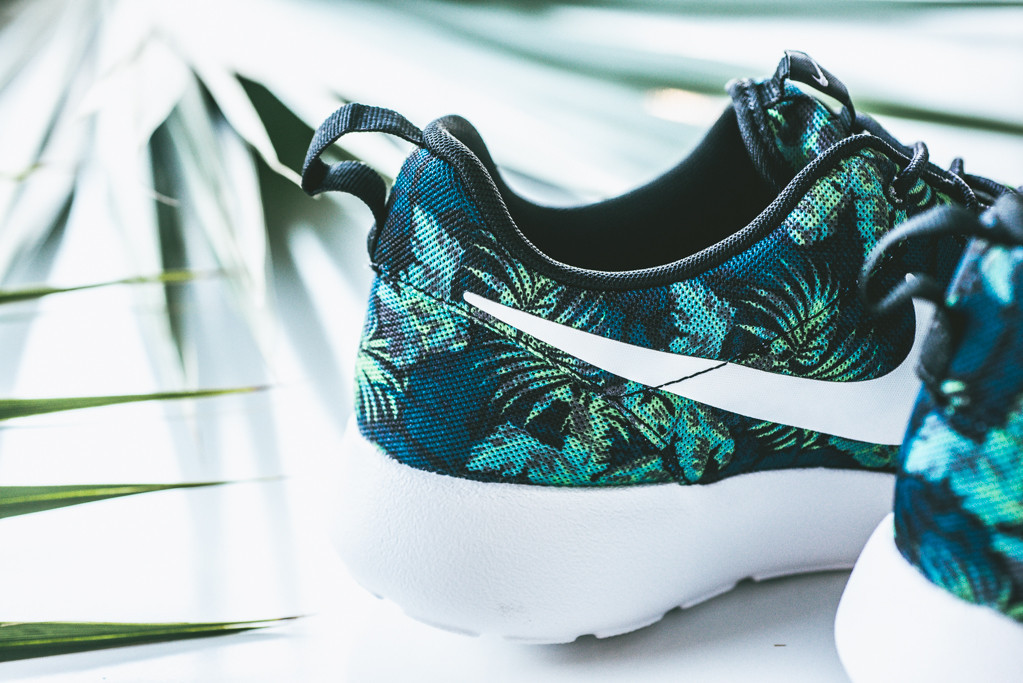 the best attitude 60565 edffa ... australia floral nike roshe runs in space blue and poison green sole  collector 16792 a479b