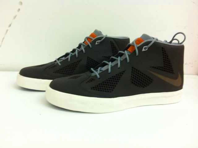 LeBron X NSW Lifestyle NRG Night Stadium Stadium Grey Sail 582553-001 (4)