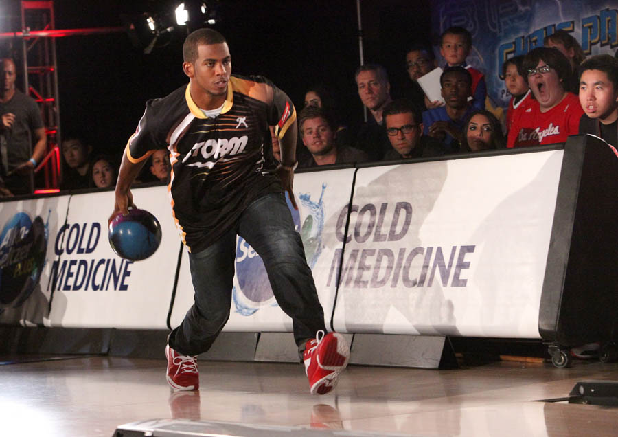 Chris Paul PBA Celebrity Bowling Tournament 2012 - Chris Paul (3)