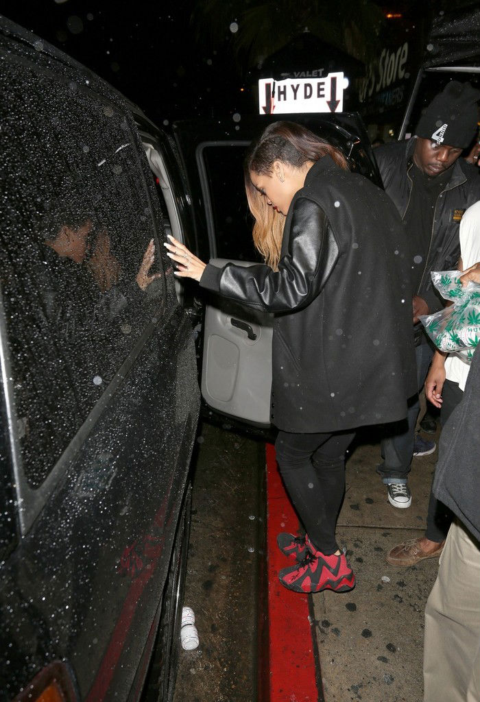 Rihanna wears Reebok Kamikaze II Black/Red (3)