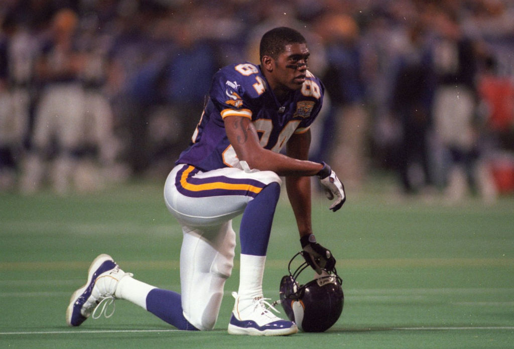 Randy Moss wearing Air Jordan XI 11 Vikings PE (7)