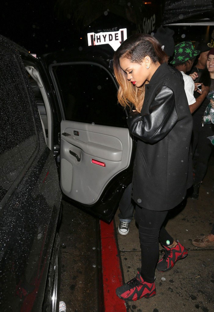 Rihanna wears Reebok Kamikaze II Black/Red (2)