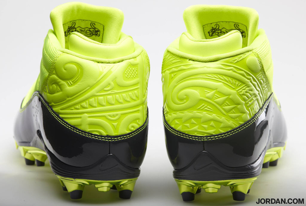 Dez Bryant Wears Special Volt Jordan 6 Rings Cleat For The