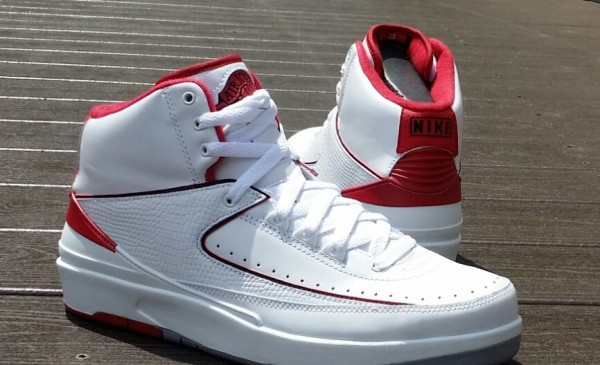 Air Jordan Blanc Et Rouge 2s