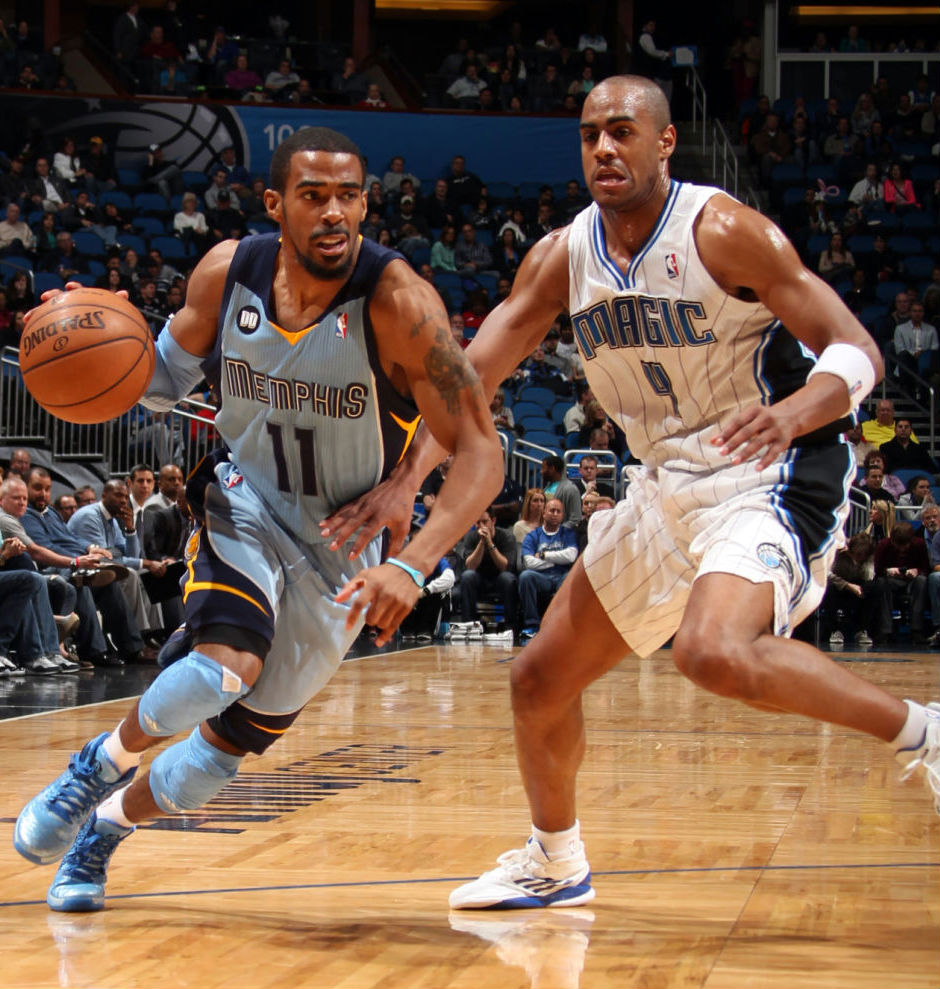 Arron Afflalo wearing adidas adizero Crazy Light 2 Low; Mike Conley wearing adidas Rose 3.5 Triple Blue