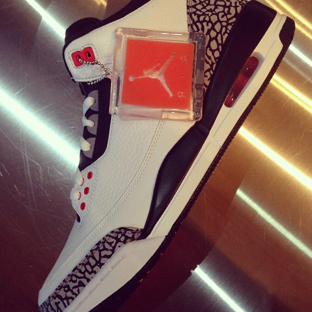 Ludacris Picks Up Air Jordan 3 Retro Infrared 23
