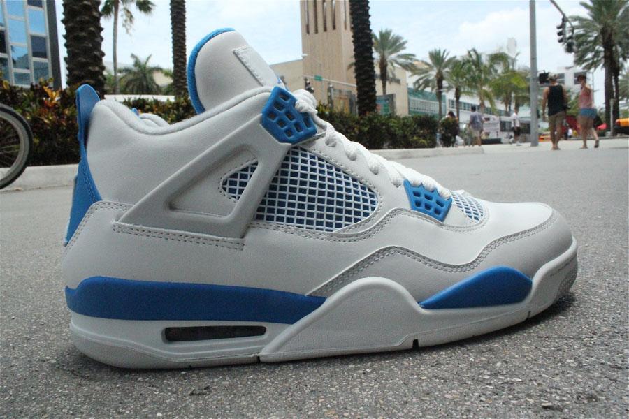 4d1b6627838 blue 4s jordans
