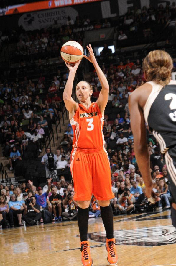 Diana Taurasi wearing the Nike Air Max LeBron 8 V/2