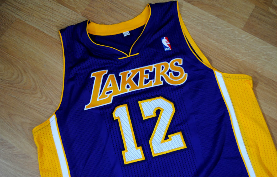 Jersey Spotlight // Dwight Howard Los Angeles Lakers REV30 (1)