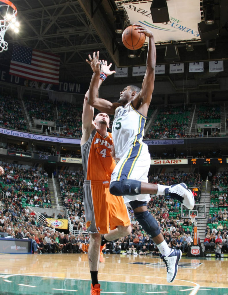 Derrick Favors wearing adidas adizero Ghost 2