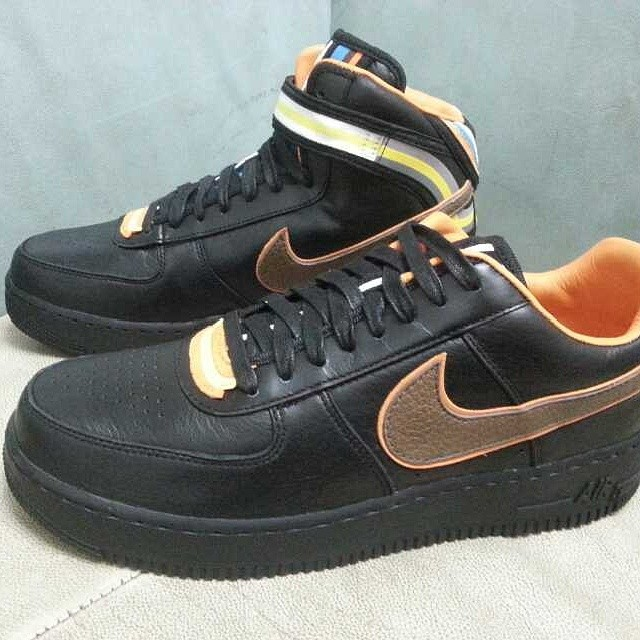 official photos 8b79e 79f9e Nike + R.T. Air Force 1 Black Collection (1)