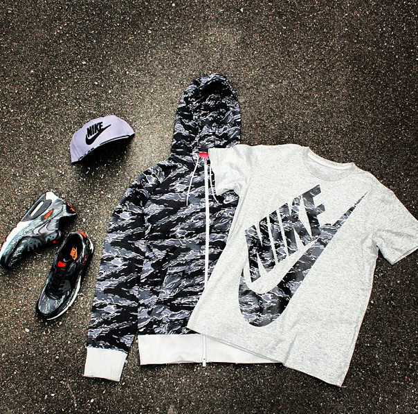 Atmos x Nike Air Max 90 'Black Tiger Camo'