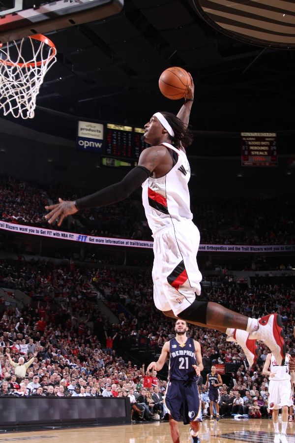 Gerald Wallace wearing the Air Jordan XIII