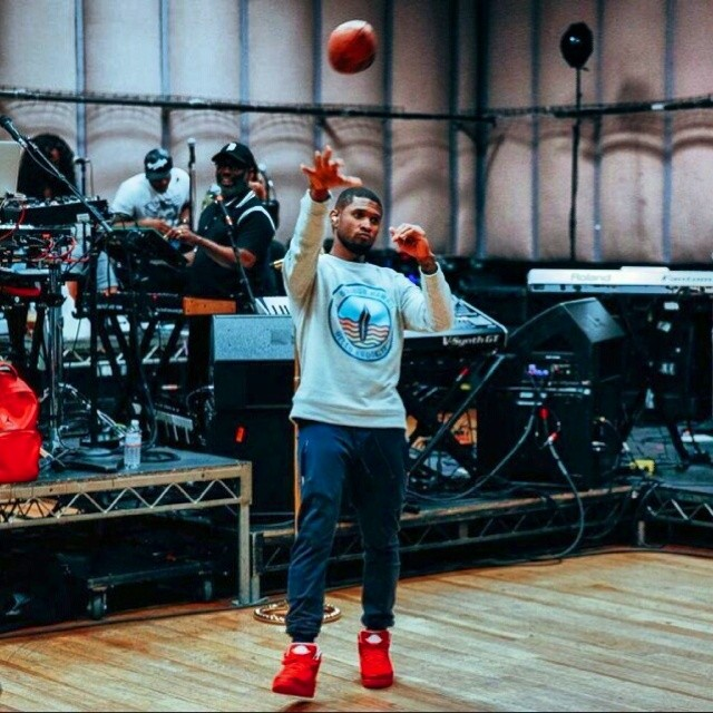 3795f1e9137dec Usher wearing Air Jordan II 2 Legends of the Summer