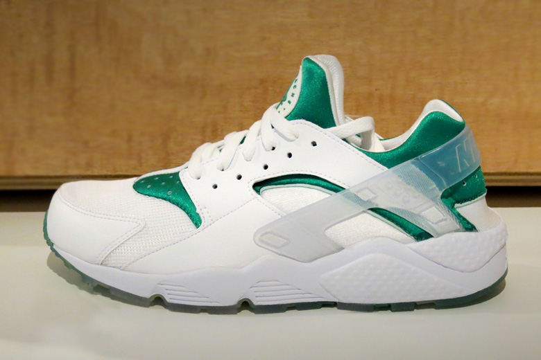 best service 4f67f 37ea9 Nike Air Huarache Premium  London